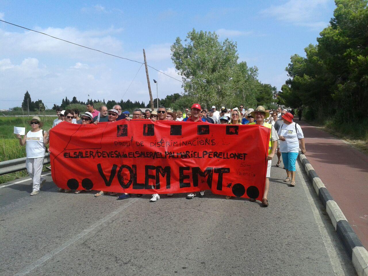 Manifestación exigiendo el transporte publico